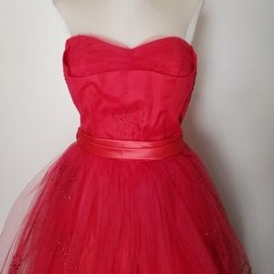Vintage 1950s Red Strapless Tulle Party Dress